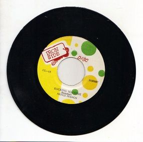 Prince Francis - Rocking Machine / Freddie McGregor & The Soul Defenders - version (Iron Side) JA 7""